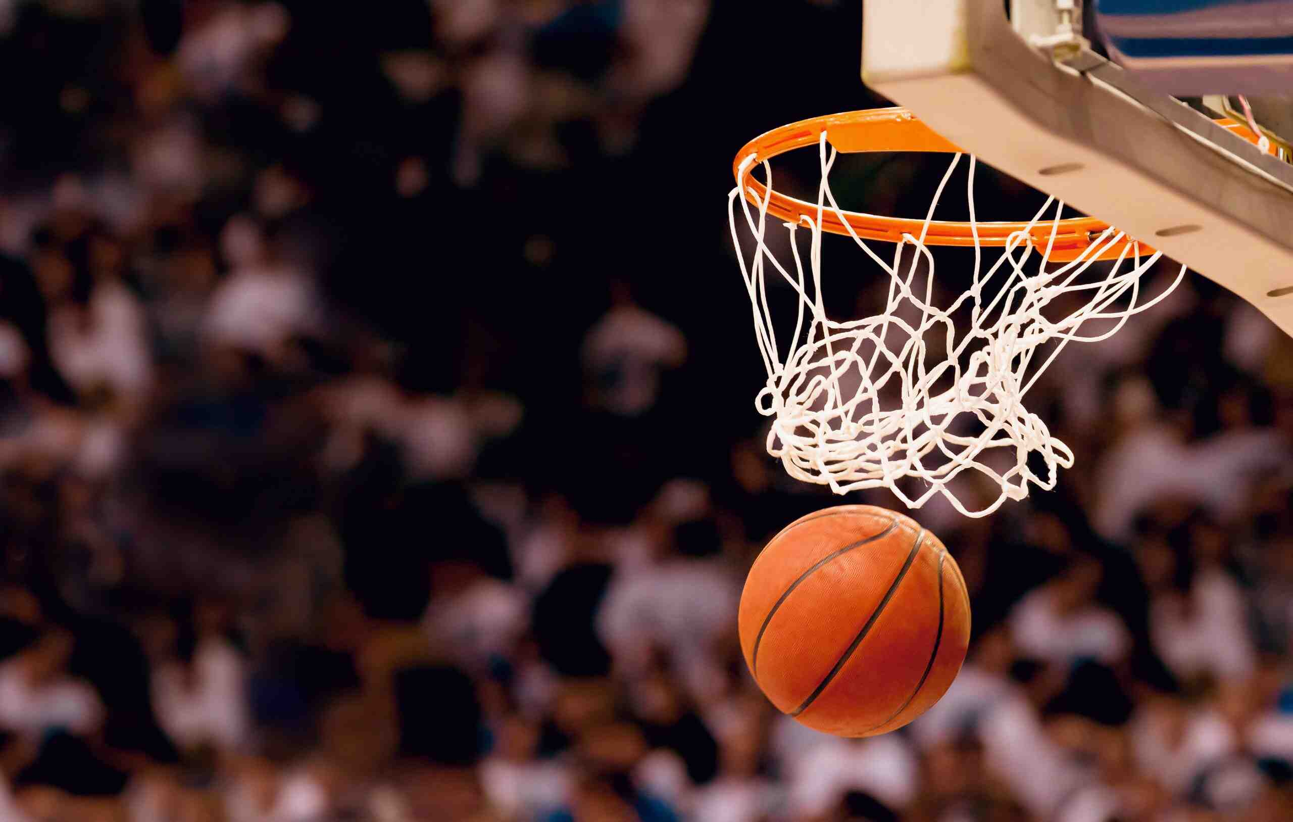 Quelle équipe de basket américaine est sacrée championne de NBA en 2000 ?