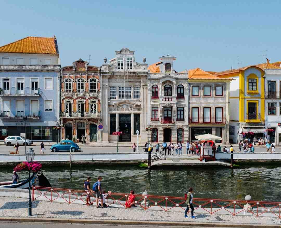 Comment s'appelle le gardien de but du Portugal ?