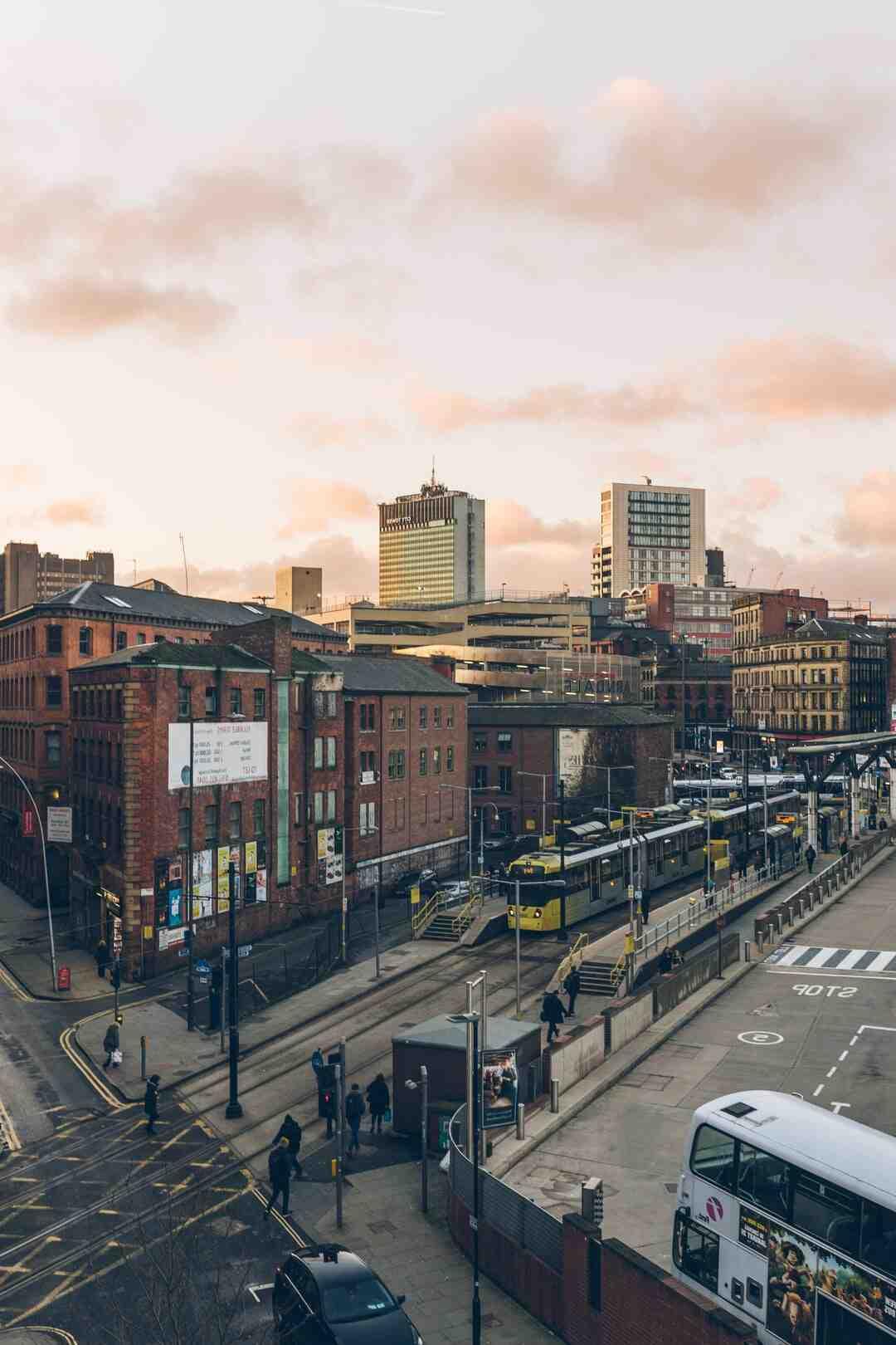 Où se situe Manchester par rapport à Londres ?